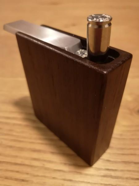 Die Patronen werden mit einer Feder automatisch aus der Patronenbox gedrückt.